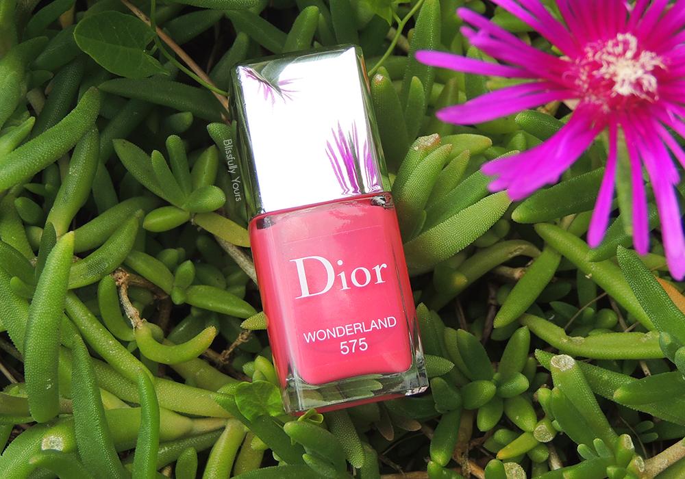 Dior Wonderland : Dans la peau d'Alice jusqu'au bout des ongles !